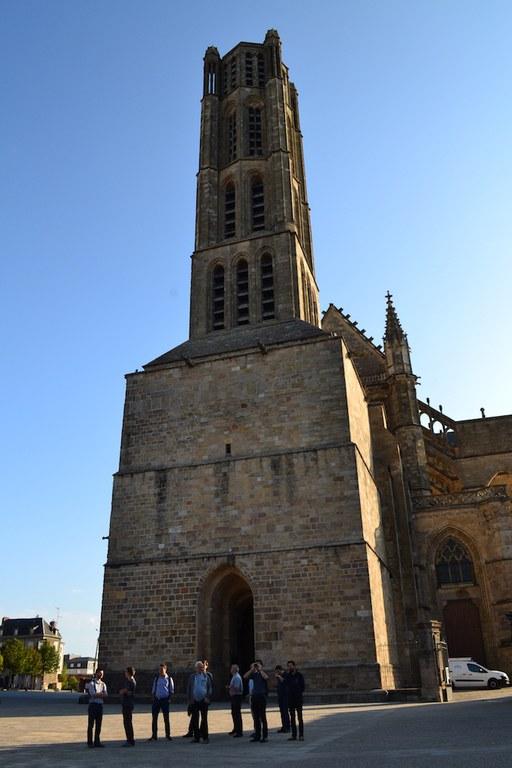 Session de rentrée - devant la cathédrale de Limoges