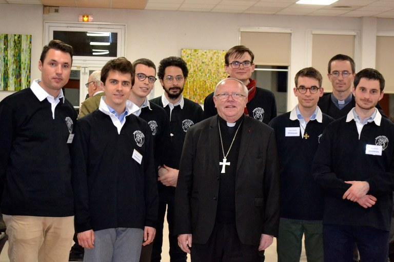 Séminaristes avec le Cardinal